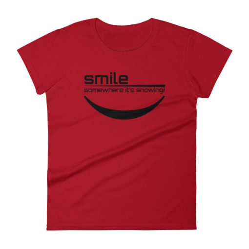 Smile It's Snowing Women's T-Shirt Red